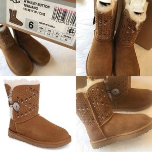 Ugg Bailey Button Tehuano (fit like a 7 - 7 1/2)